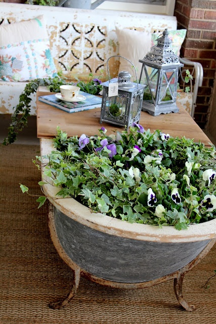 """Old bathtub as sunroom coffee table (Bachman's Idea House--from Blog """"Itsy Bits and Pieces"""")"""