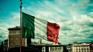Italy has always been a servant, a servant of the European Union and the United States. Policies have been made under the diktat of somebody else. I hope that Italians will regain freedom and will once again be the masters of their own destiny. A referendum on amendments to the Constitution is going to be held soon, a terrible referendum with the help of which Renzi wants to legitimize the EU in the Italian Constitution with all power emanating from it.
