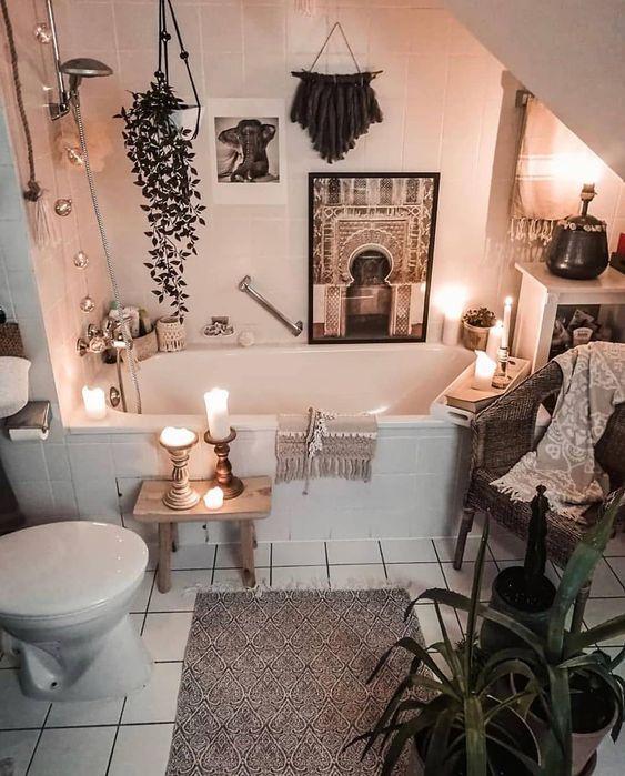 21 Ideas fáciles y lindas para decorar y armonizar tu baño Bohemian House, Bohemian Decor, Bohemian Style, Boho Chic, Hippie House Decor, Bohemian Quotes, Bohemian Men, Bohemian Party, White Bohemian