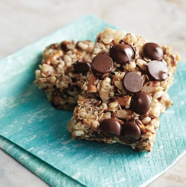 We thought homemade granola bars took hours to make. Then we discovered this easy stovetop method! Get four new recipes for granola bars at Chatelaine.com!