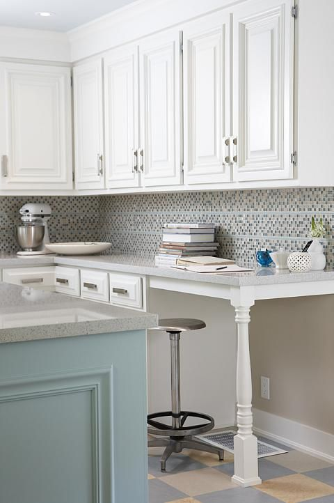 Sarah richardson sarah 101 kitchen blue island deskThe 25  best Sarah richardson kitchen ideas on Pinterest   Sarah  . Sarah Richardson Kitchen Designs. Home Design Ideas