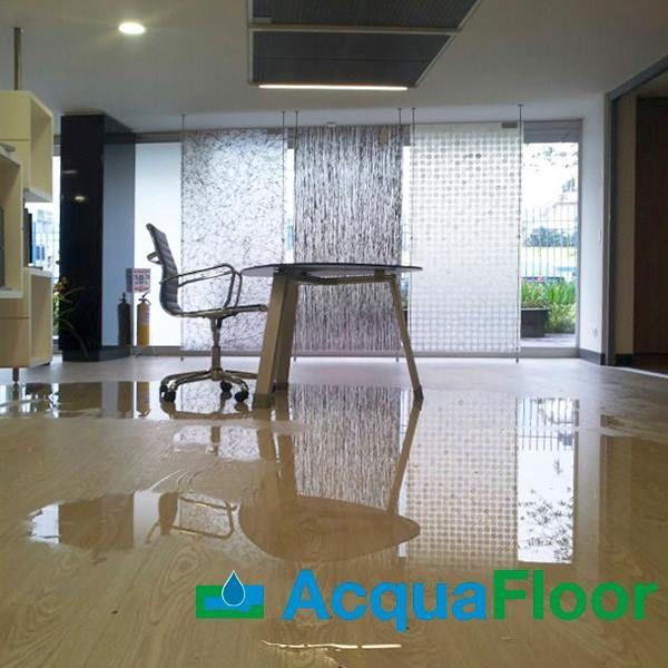 Proteje tu oficina o casa, utiliza nuestro producto ACQUAFLOOR. 100% Resistente al Agua