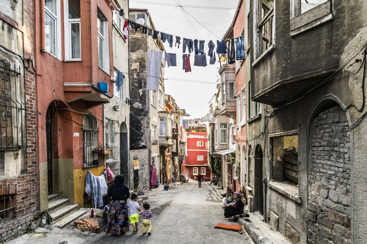 Beyoğlu, Istanbul, Turkey, 2017 #beyoglu #turkey #turecko #istanbul #street #people #Türkiye #ulice #houses #house