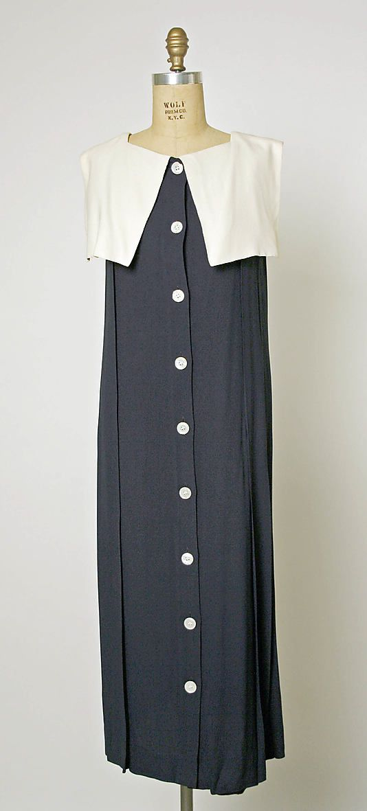 Perry Ellis Dress 1980. I absolutely loved Perry Ellis during the 1980s. For today's style I'd add a waist and maybe pull in the shoulders, but he was brilliant at coats, retro shoes, and linen dresses.