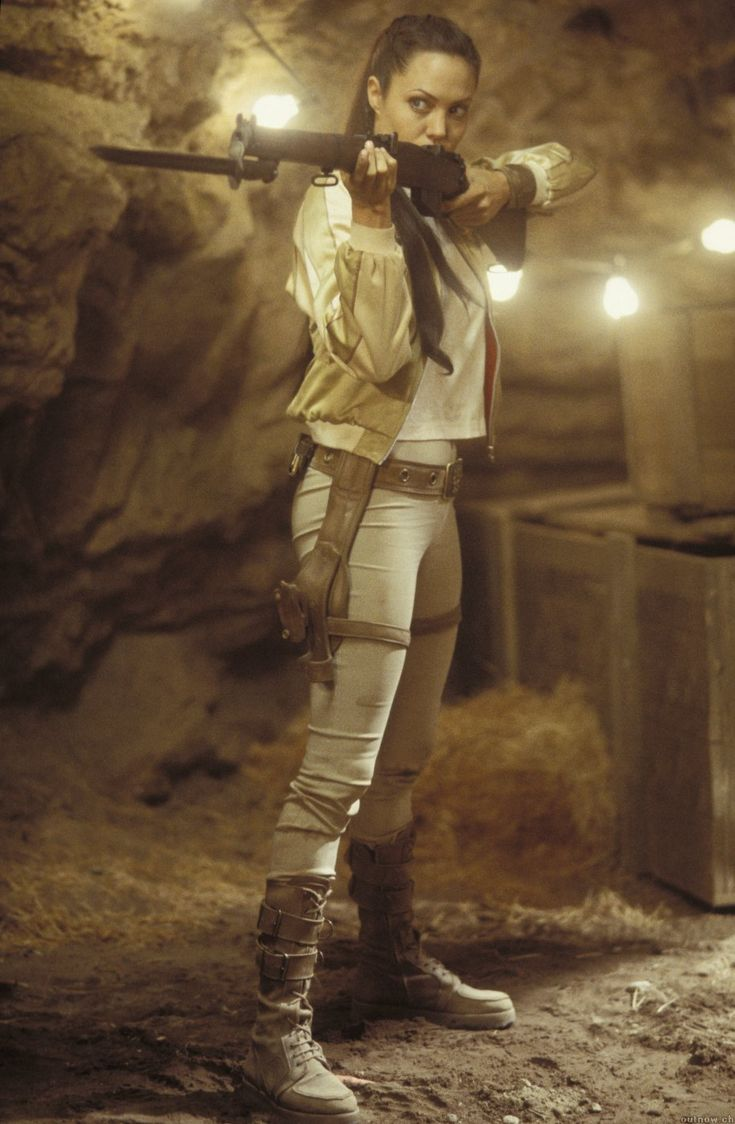 Lara Croft Tomb Raider: The Cradle of Life. Leggings & boots-not crazy about the jacket