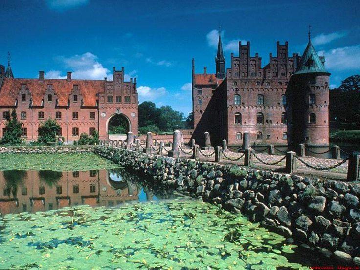 Palaces - Desktop Background Pictures: http://wallpapic.com/architecture/palaces/wallpaper-26172