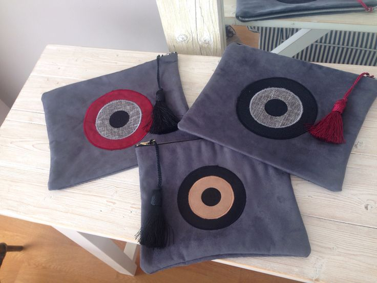 The eye ... Hand made bag on grey color ..