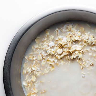 How to Soak Oatmeal Overnight to Make a Better Breakfast