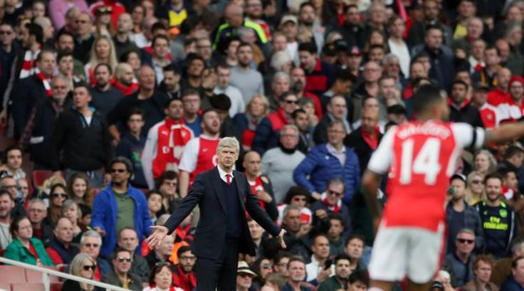 cool Gael Clichy backs under-fire Arsenal boss Arsene Wenger Check more at https://epeak.info/2017/04/03/gael-clichy-backs-under-fire-arsenal-boss-arsene-wenger/