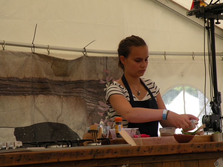 Demo in full swing at Beer & Sausage Festival 2013,  Jimmy Doherty