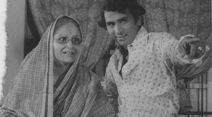 All The Very Best Team #India. Sunil Gavaskar and Madhumati in the Marathi film 'Savli Premachi' (1980).
