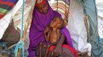 Ribuan warga Somalia selamatkan diri dari bencana kekeringan dan kelaparan  MOGADISHU (Arrahmah.com)  Lebih dari 3.000 orang per hari melarikan diri dari rumah mereka untuk mencari makanan dan air akibat kekeringan terburuk di Somalia dalam 20 tahun terakhir Dewan Pengungsi Norwegia(NRC) melaporkan dikutip Reuters pada Rabu (29/3/2017).  NRC pun memperingatkan kemungkinan besar terjadinya bencana kelaparan dimana anak-anak sudah sekarat karena kekurangan gizi.  Kekeringan dahsyat telah…