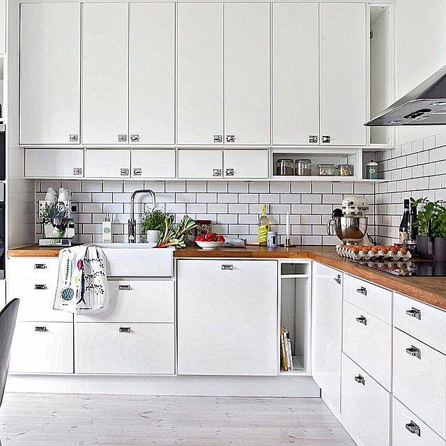 Så fint kök, stommen och luckor är från Ikea och beslag från #byggfabriken.  Rådmansgatan 15 H, 2 rok, balkong, 57 kvm, Triangeln. #bjurfors #triangeln
