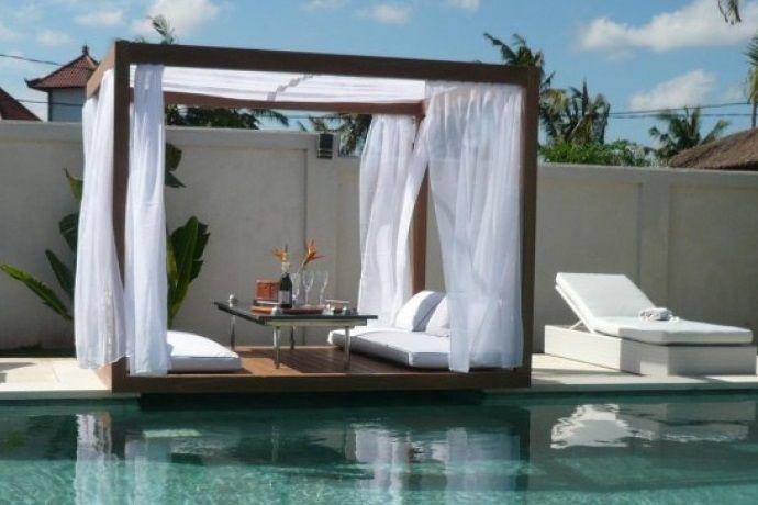 Una cama Balinesa es una cama para exteriores, para estar al aire libre, aunque la puedes adaptar para interiores, están formados por una plataforma con un ...