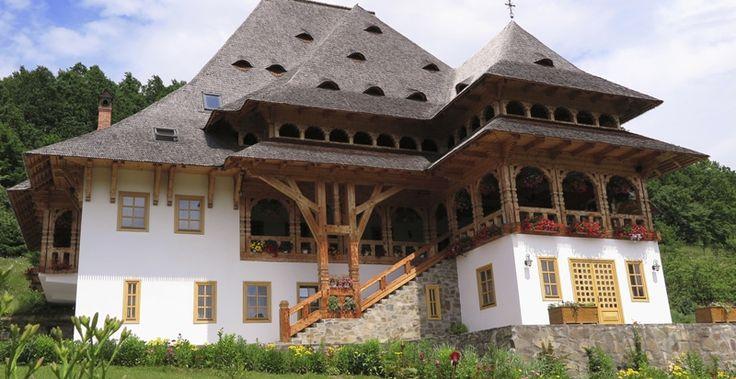 Casele maramuresene - un simbol al traditiei romanesti de veacuri.