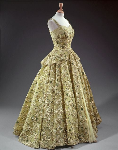 Evening dress designed by Norman Hartnell for Queen Elizabeth II, 1950's  From the Royal Collection