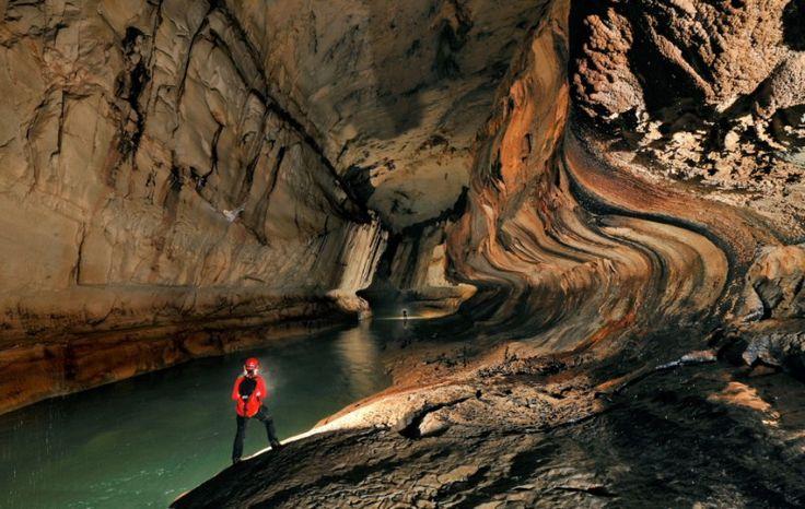 photographe grotte 06 800x507 Robbie Shone, un photographe spéléologue