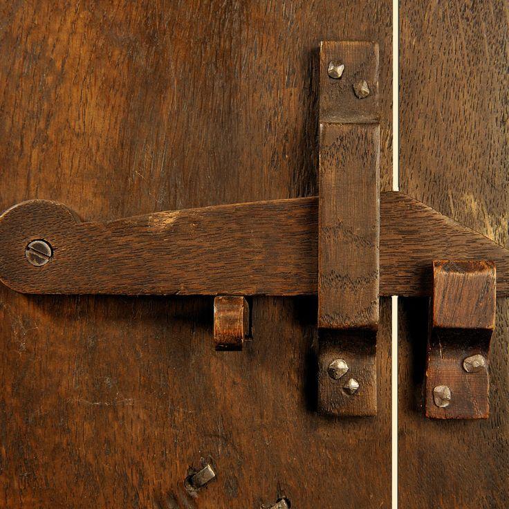 Mejores 58 im genes de cobertizos puertas y ventanas en - Pestillos para puertas ...