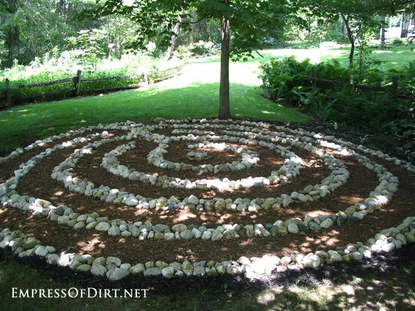Labyrinth Designs Garden labyrinth garden designs Garden Art That Shows Your Personality