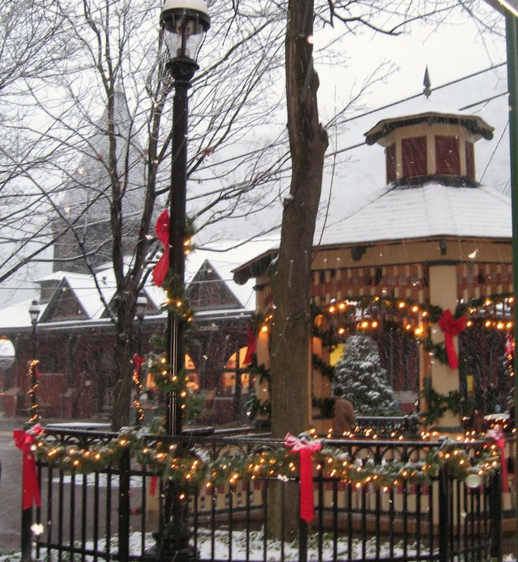 Olde Time Christmas Jim Thorpe, Pa