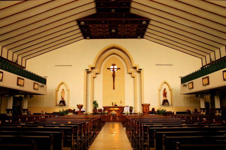 Gereja katolik Santa Maria Rak Bercela || Ngagrl Madya 1 || Surabaya || indonesia