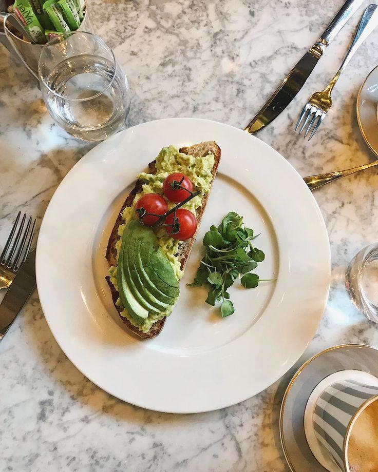 avocado toast, dalloway terrace, london ig monicabialucci
