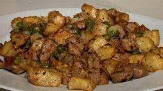 Hozzávalók: 0,5 kg sertéscomb 1 kg krumpli 6 gerezd fokhagyma 1 kiskanál majoránna 1 kiskanál őrölt pirospaprika 1 kiskanál őrölt bors 1 fej vöröshagyma 1…