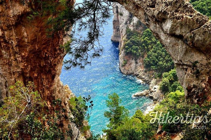 The Natural Arch is one of the      places which can be admired on the Island of Capri