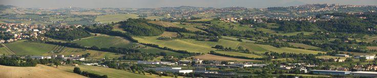 https://flic.kr/p/U3N94P   Camerano, Marche, Italy - The Marche hills - stitch by Gianni Del Bufalo CC BY-NC-SA   STA_7695_00stitch