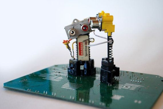 Li & Lo by Phygitales on Etsy #robots, #phygitales, #Phyci_Digi_Land, #animation, #comics, #art, #sculpture, #recycled_PCB, #recycled_electronics, #figurine, #recycled_computer, #Recycled_Circuit_Board, #computer_parts, #recycled_electronics, #recycled