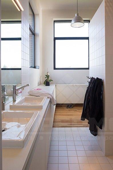 Bruine Randen Badkamer ~   wandtegel, vloertegel, wandtegel, badkamer, wasbakken, grote spiegel