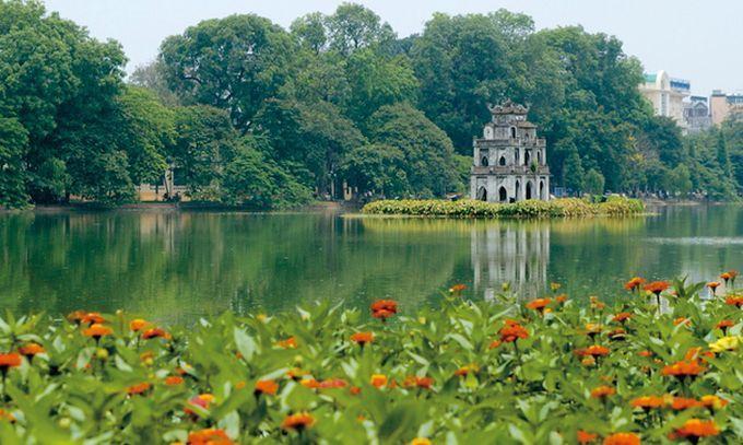 ベトナムといえば有名な世界遺産も多く,グルメも雑貨も大満足の大人気観光地ですね。その首都ハノイは他の観光地の陰に隠れがちですが,さすがは首都,新旧のベトナムを体感できるおすすめ観光スポットでいっぱいの都市です。今度のベトナム旅行では,ハノイにこそゆっくり滞在して,おすすめの観光スポットを巡ってみませんか。