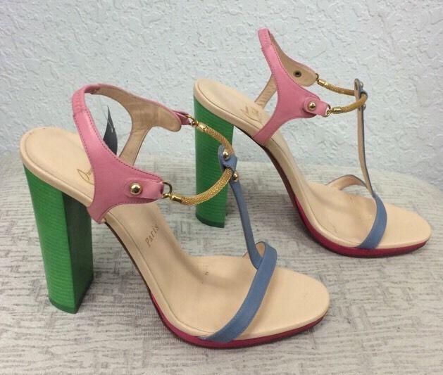 Artesur ? christian louboutin Sylvieta T-strap sandals
