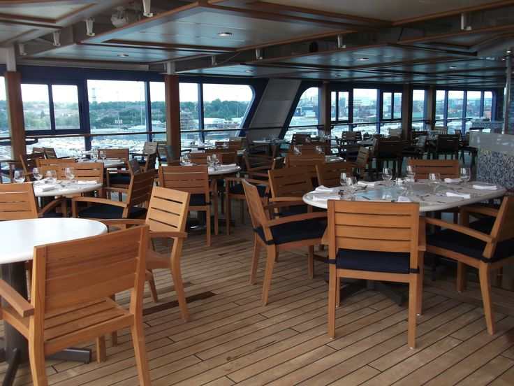Oceania Cruises - Nautica, Waves Restaurant