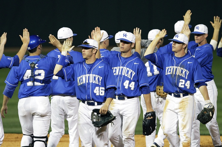 UK Baseball celebrate win over Louisville