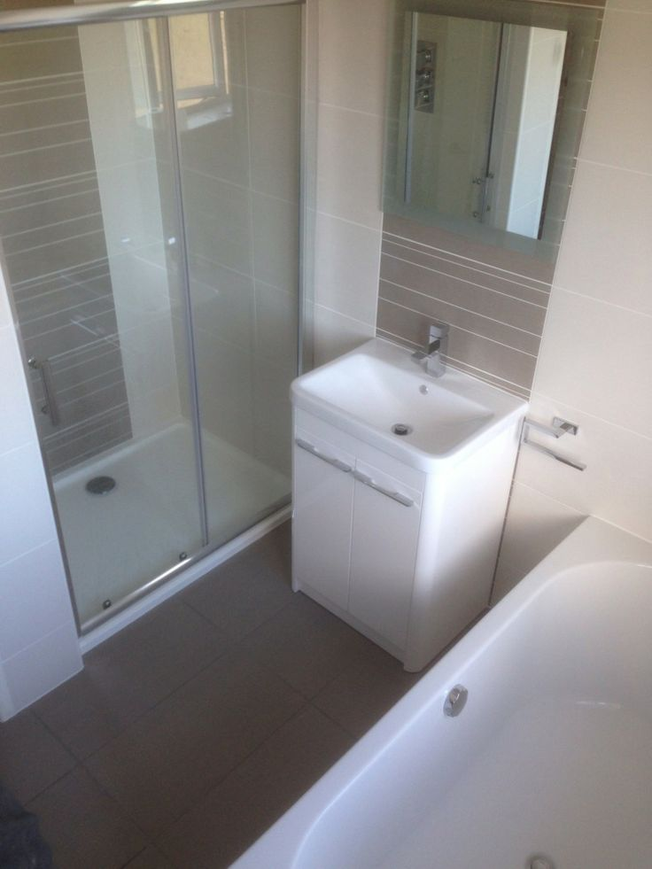 Peter from Gateshead #VPShareYourStyle space is used really efficiently in this modern style bathroom.
