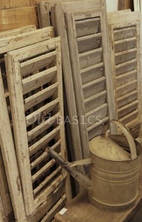 Google Afbeeldingen resultaat voor http://cdn1.welke.nl/photo/scale-290x451-wit/Mooie-oude-luiken-kun-je-goed-gebruiken-ter-decoratie-in-huis-Maak.1343924703-van-Syl.jpeg