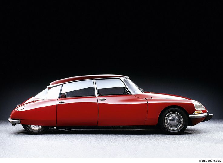 LA DÉESSE – DIE GÖTTIN · CITROËN DS 23, BJ. 1973 Der Citroën DS ist eine Designikone und mit seiner Hydro-Pneumatik ein Meilenstein der Automobilgeschichte. Photographer:Michel Zumbrunn (I drove a DS for 2 years end of the 80ties - my all time most loved own car!)