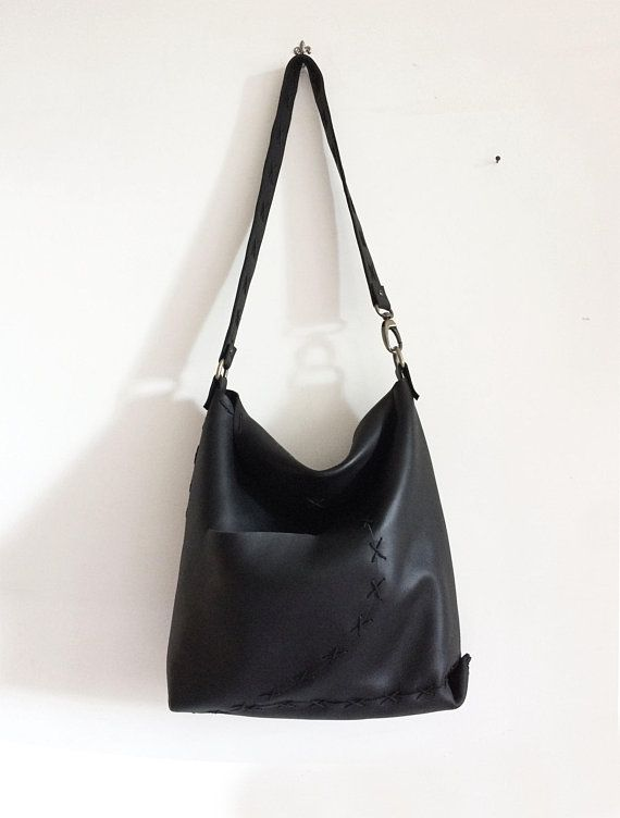 d032d7f9c0 Black hand-sewn handbag in Italian leather, Shoulder bag with pocket ...