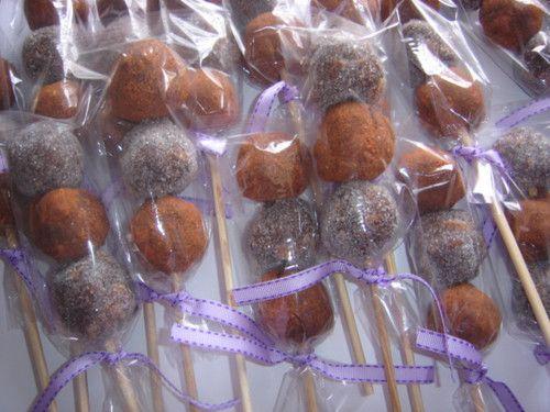UN DULCE DETALLE : Un dulce detalle que distinguira su evento Ó un dulce momento............. Tamarindo 100% natural de azúcar y chile en diferentes presentaciones corazones, flores, brochetas, estrellas, y mucho más DISEÑO & IMPRESION DE: INVITACIONES, TARJETAS, SOBRES, AGRADECIMIENTOS STIKER PARA CUALQUIER DETALLE Y MUCHO MAS...................... CUENTO CON CATALOGO DE MUESTRAS Una amplia variedad de diseños creativos, para todo tipo de