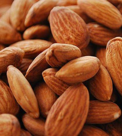 7 proprietà curative delle mandorle: ecco perché mangiarle http://ambientebio.it/7-proprieta-curative-delle-mandorle-ecco-perche-mangiarle/