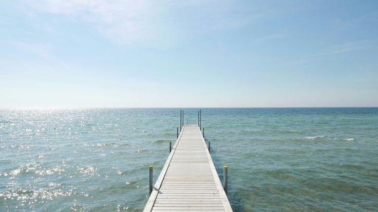 Ishøj - la mer au Danemark. La plage rien que pour nous, un grand soleil, un petit vent agréable et un sable fin très clair. Un des plus beaux moments de notre voyage.