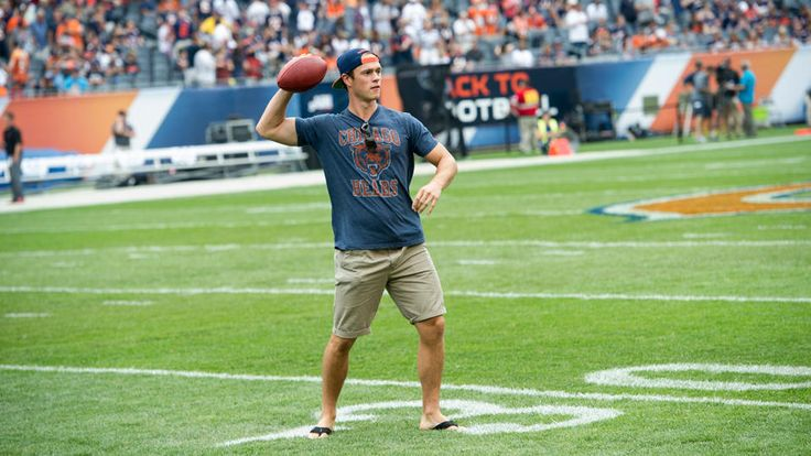 Blackhawks visit Soldier Field - 09/08/2013 - Chicago Blackhawks - Player Appearances & Events Photo Gallery