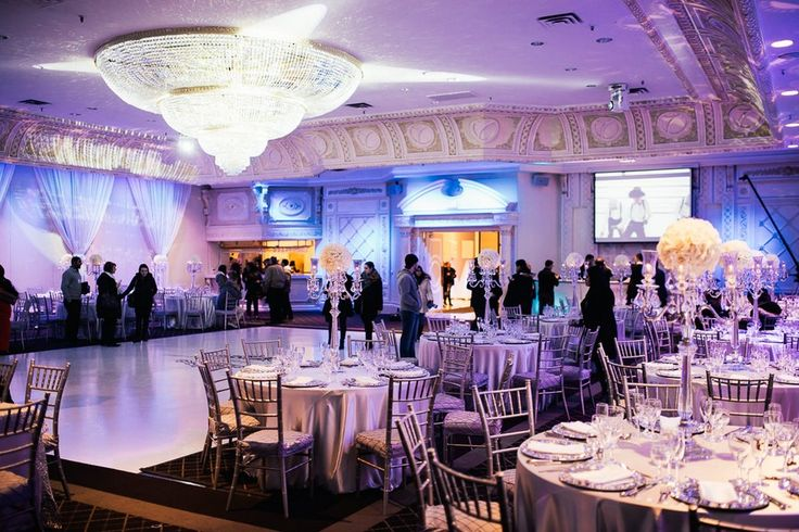 One of Vaughan's best banquet halls - Paradise Banquet Hall is a great option for Toronto area weddings