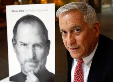 Steve Jobs' biographer is hometown son Walter Isaacson