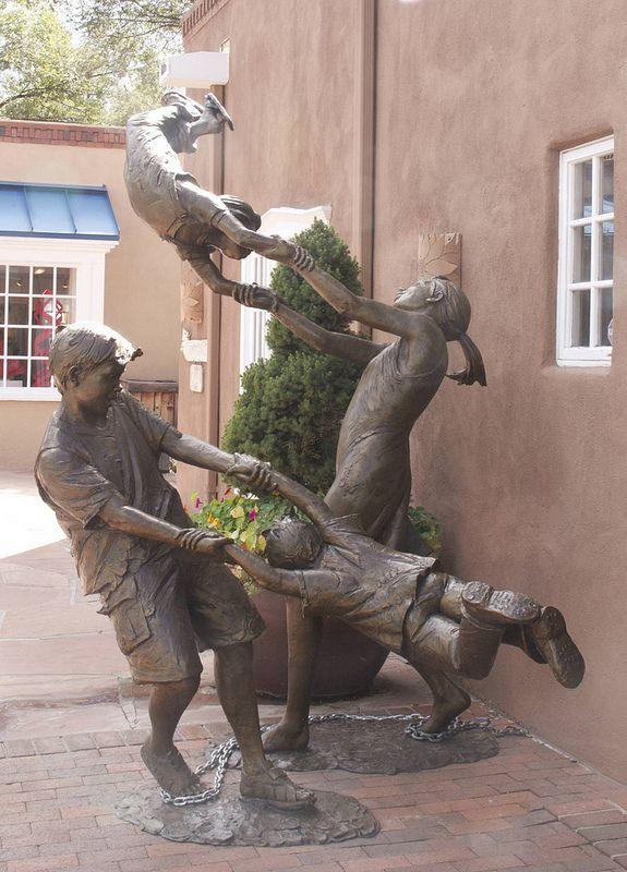 'Children Having Fun' bronze sculpture - photo by Charles Yurchak (Cha Li), via Flickr;  in Santa Fe, New Mexico