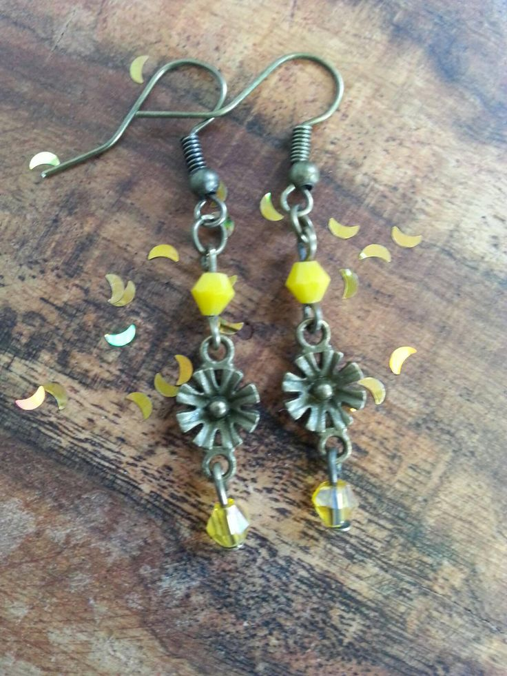 Yellow flower earrings with glass beads. Gift for wife, girlfriend, mother, daughter, niece, yellow lover, bright present. Gardener, nature. by 26MoonBeams on Etsy