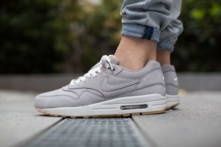 nike air max 1 premium leather pack grey