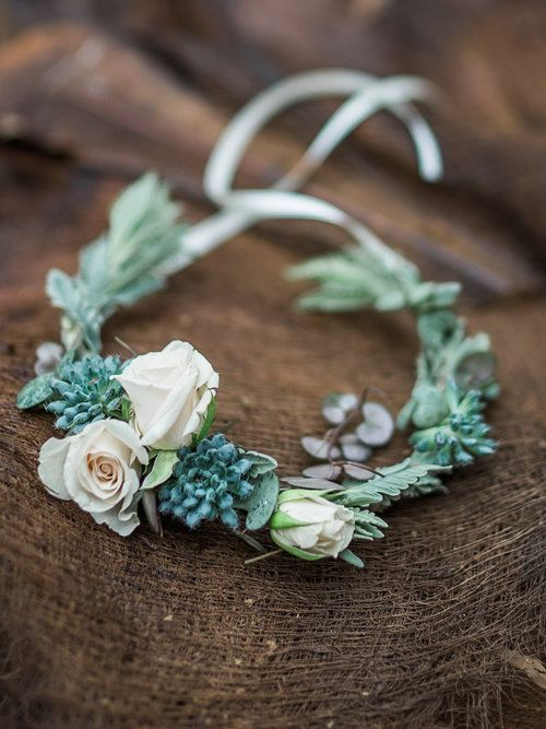 Styling by Jessica | Wedding flowers Cambridge London Essex | Countryside wedding, loose natural wild wedding flowers geometric copper shapes terrarium succulent air plant table centres flower crown