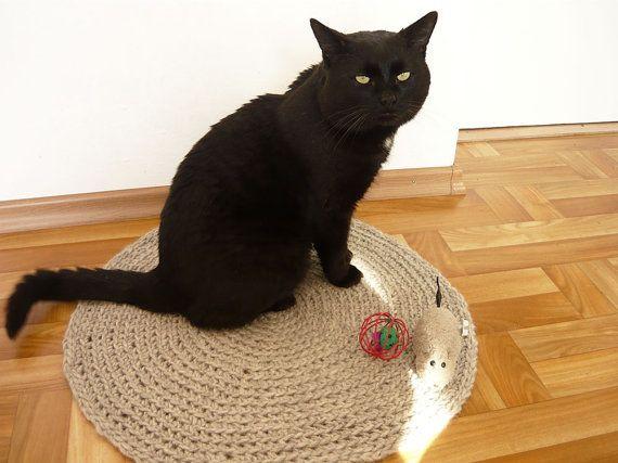 Handmade crochet pet bed pet rug cat basket gift by MariAnnieArt
